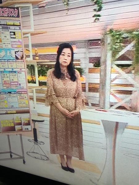 服装 岡田晴江
